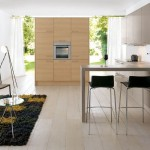 Schuller Trufflebrown and Wood Decor