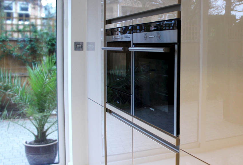 Champagne high gloss handle-less kitchen in Formby Liverpool 4