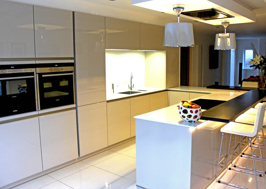 Champagne high gloss handle-less kitchen in Formby Liverpool 5