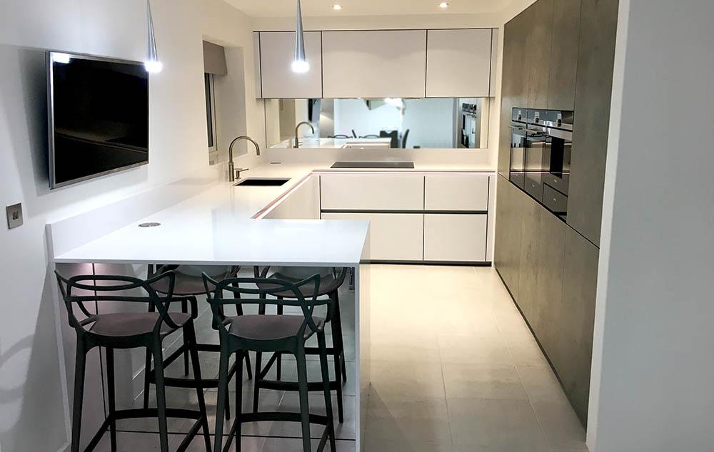 Schüller Next 125 White Glassline & Concrete Ceramic Mix
