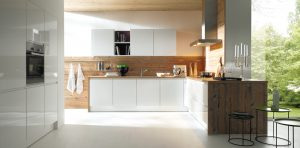 Schuller Alea L091 Crystal white high gloss with K845 Spruce Chalet