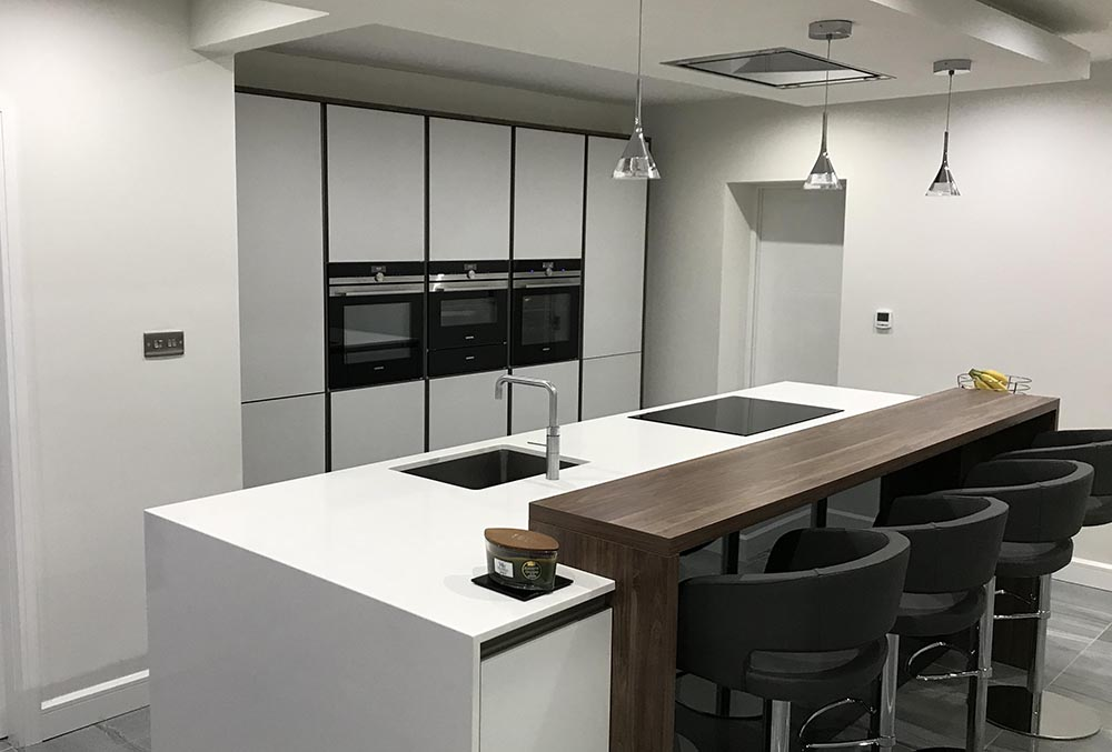 NX 902 Glass Gloss Geman made Kitchen