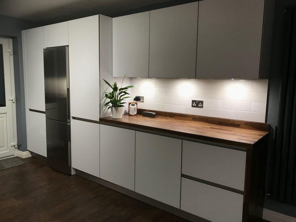 NX902 Polar White Next 125 Glassline Designer Kitchen Eccleston