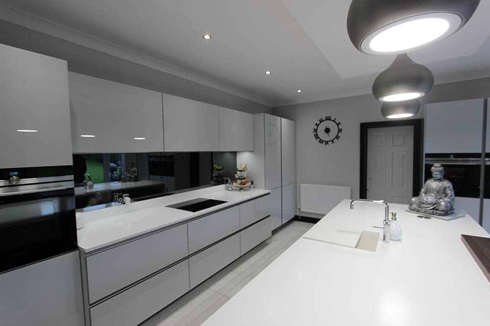 sch ller next 125 white glassline kitchen in warrington german kitchens uk. Black Bedroom Furniture Sets. Home Design Ideas