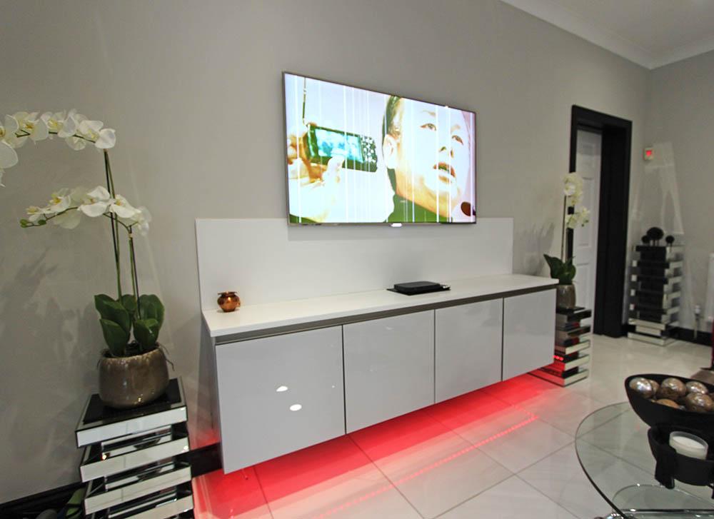 Next 125 White Glassline German Living Space
