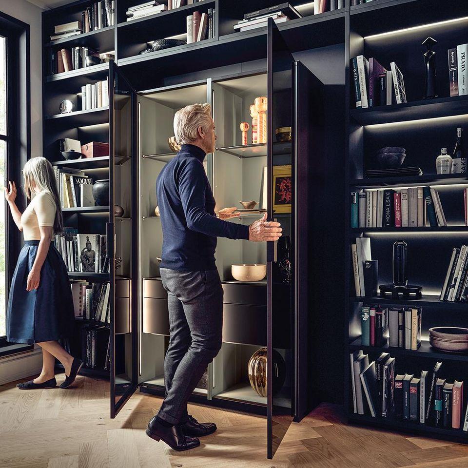 NX 510 book shelves